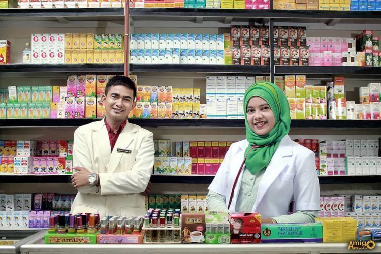 apotek yang menyediakan produk pemutih wajah